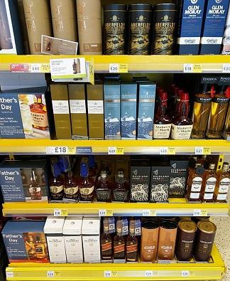 cheap whiskey whisky supermarket pic tesco